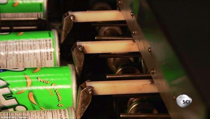 Жуткая правда о чипсах Pringles: из чего и как их делают