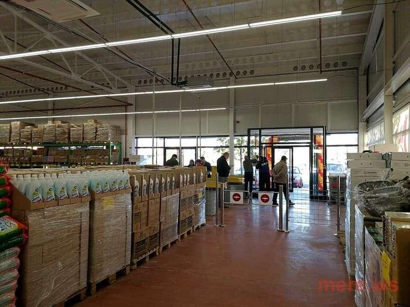 В Германии, из-за ажиотажа покупателей, временно закрылся новый супермаркет Mere из России
