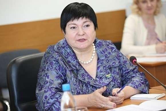 Депутат Елена Дерягина предложила отменить бесплатное питание для младших классов