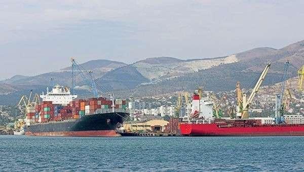 Российские грузовые корабли в порту. Архивное фото