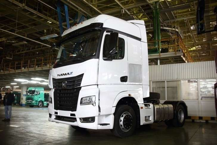 Наавтомобильном заводе собрали первый КАМАЗ-54901 скабиной К5