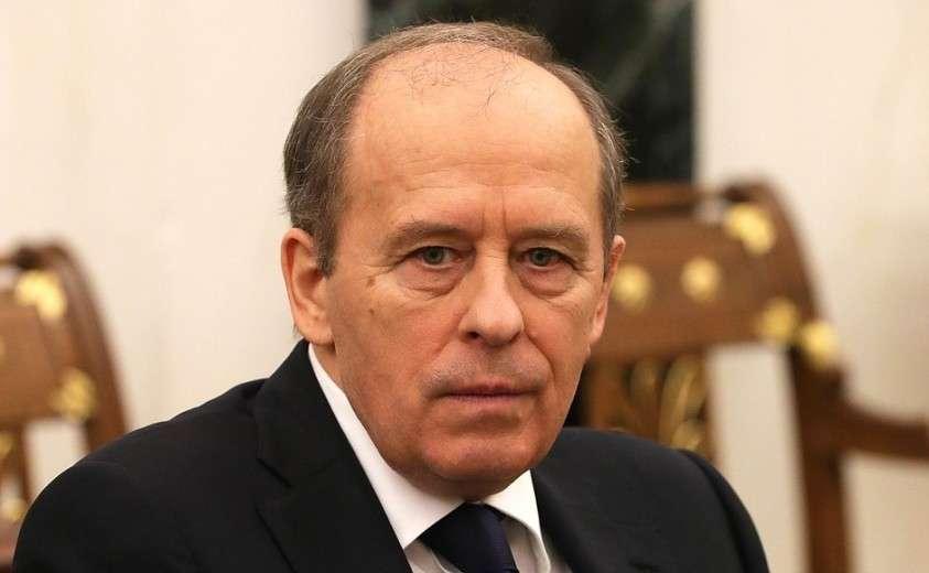Директор Федеральной службы безопасности Александр Бортников перед началом совещания спостоянными членами Совета Безопасности.
