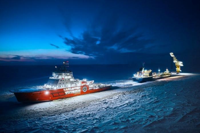 Пока США вооружали террористов, Россия строила города в Арктике