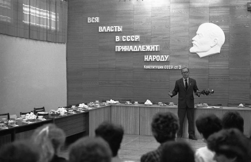 Мечтаете вернуть СССР? Тогда узнайте о жизни в настоящем СССР!