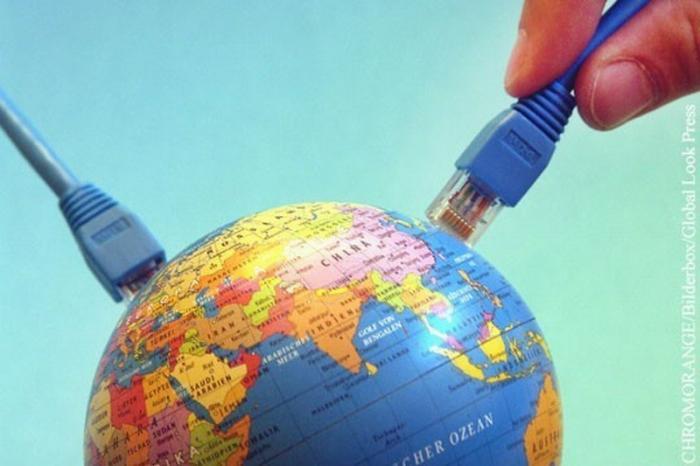 Могут ли США полностью отключить Россию от интернета