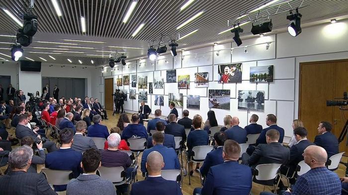 Владимир Путин встретился спредставителями общественности: нацпроект «Жильё игородская среда»
