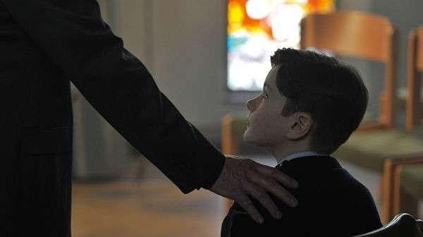Кадр из фильма Милостью божьей