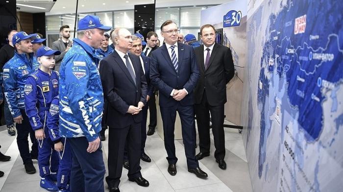 Владимир Путин встретился с командой «КамАЗ-мастер», одержавшей победу в ралли «Дакар»