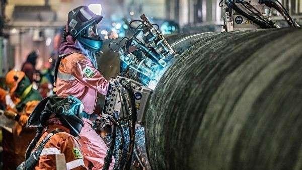 Сварка труб трубопровода Северный поток – 2 на борту судна Castoro Dieci (C10) в Грайфсвальдском заливе в Германии