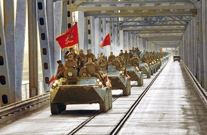 Почему армия СССР якобы капитулировала в Афганистане
