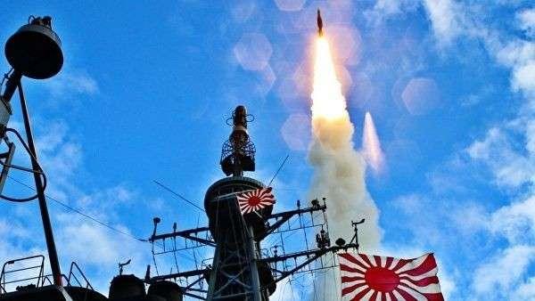 Запуск американской ракеты SM-3 с японского линкора Кирисима. 2010 год
