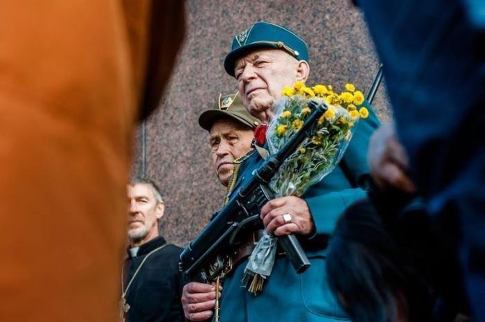 Корни украинского фашизма находятся в США