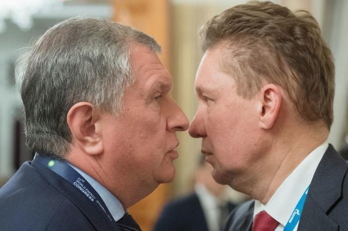 Доходы 36 менеджеров Газпрома, Роснефти и Сбербанка превысили годовой бюджет двух регионов России