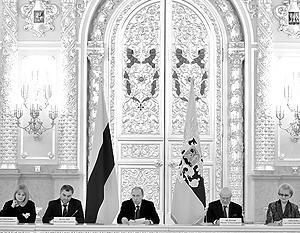 Владимир Путин не согласился с расхожим мнением о том, что все в России зависит только от него.