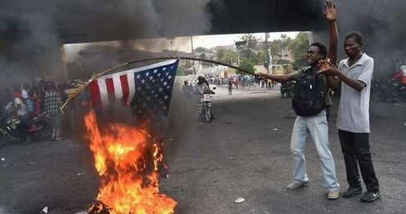 «Долой США, да здравствует Путин!» – народ Гаити взбунтовался против Штатов и призвал Россию на помощь (+ВИДЕО, ФОТО)