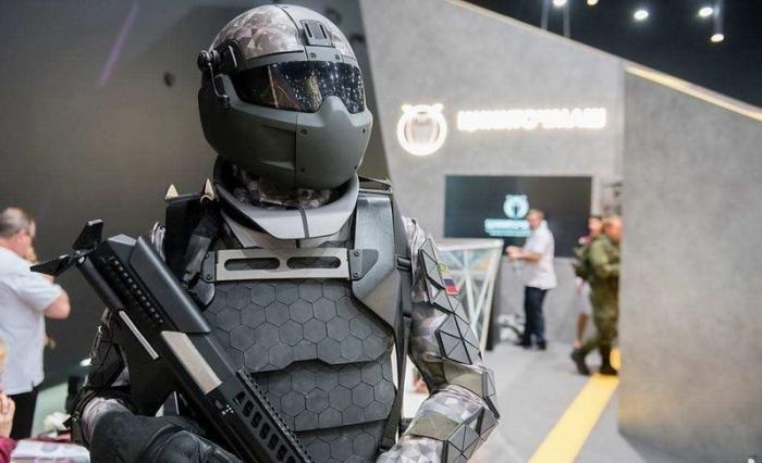 Боевая экипировка «Ратник» получит второй «позвоночник», арктическую версию и«умный» шлем
