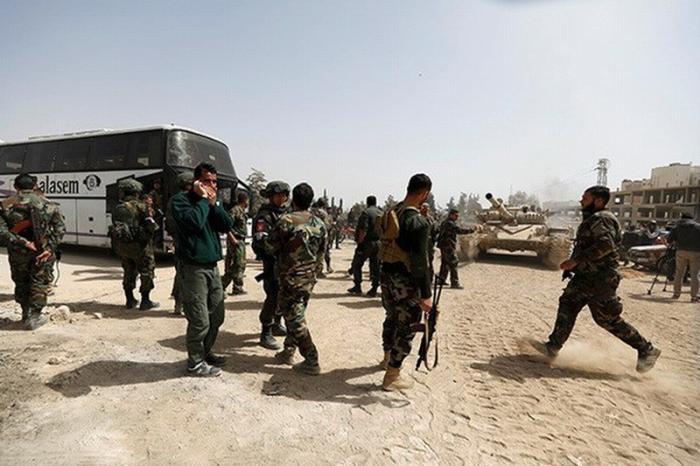 Сирийская армия начала полномасштабное наступление на боевиков в провинции Хама