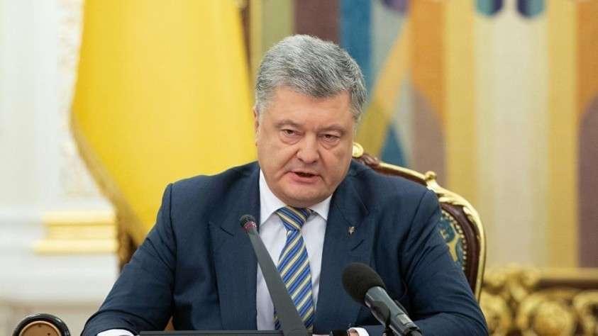 Порошенко вместо выборов на Украине мечтает о войне с Россией