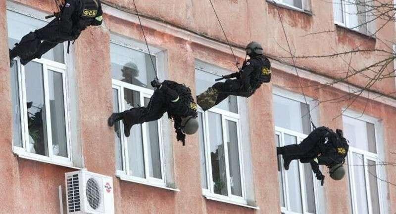 Разве бог поручал ФСБ защищать «чувства верующих» от «чувств атеистов» в светской России?