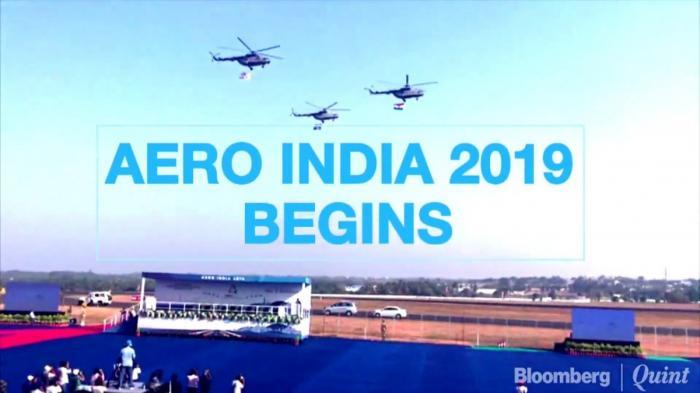 Авиакосмическая выставка Aero India 2019 открылась грандиозным воздушным парадом