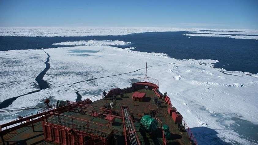 Командующий ВМС США в Европе и Африке пообещал не допустить господства России в Арктике