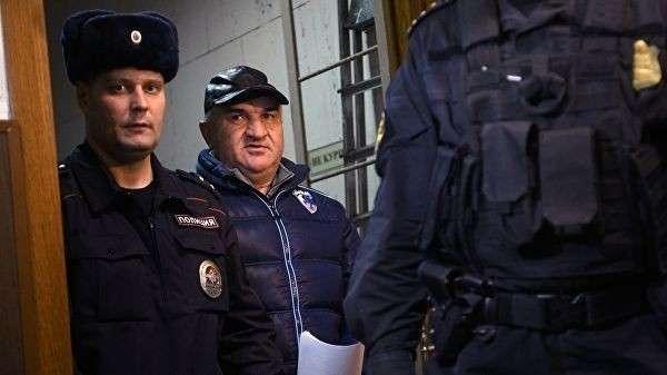 Советник генерального директора Газпром межрегионгаз Рауль Арашуков в суде