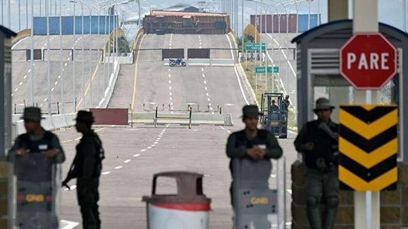 Мария Захарова: США перебрасывают к Венесуэле спецназ и технику