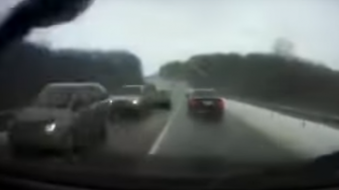 Видео аварии с кортежем президента Молдавии Игоря Додона появилось в Сети