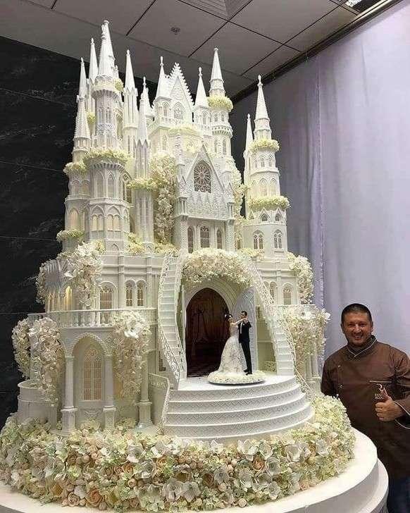 Это не просто торты, а шедевры от мастера-кондитера из Москвы Рената Агзамова