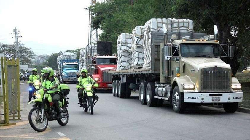 В Венесуэлу из Бразилии проехал первый грузовик с «гумпомощью»