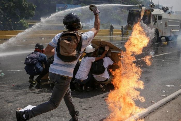 Неожиданный успех Мадуро усилил ожидание интервенции США