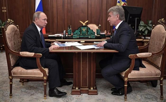 Владимир Путин встретился спредседателем правления компании НОВАТЭК Л. Михельсоном