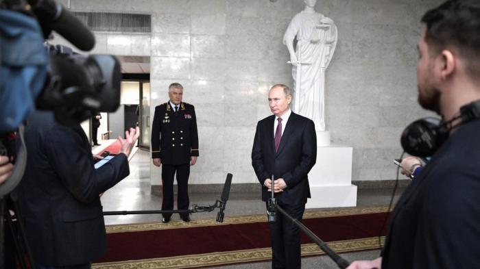 Владимир Путин ответил на вопросы журналистов после расширенного заседания коллегии МВД России