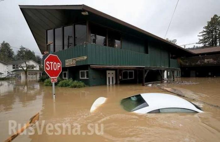 В США река Русская затопила 24 населённых пункта