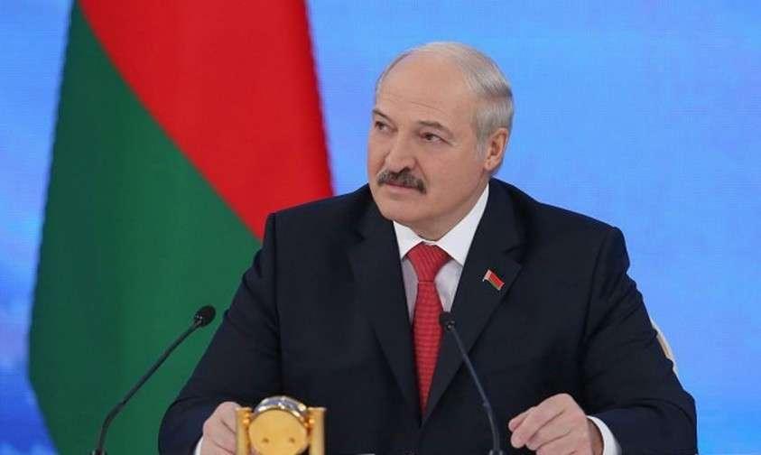 Лукашенко выторговывает выгоду но Белоруссия
