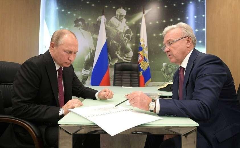 С губернатором Красноярского края Александром Уссом.