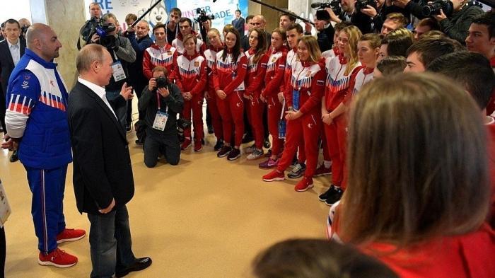 Владимир Путин встретился соспортсменами зимней универсиады 2019
