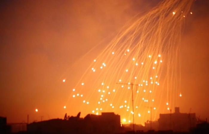 Террористы из США снова применили в Сирии запрещенные фосфорные боеприпасы