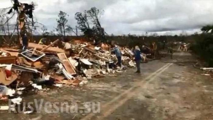 Торнадо в США: в штате Алабама дома лежат в руинах, есть погибшие