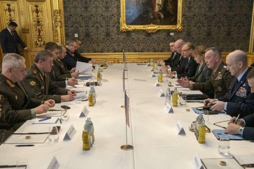 В Вене прошли переговоры между главой штабов Армии США Данфордом и главой Генштаба РФ Герасимовым