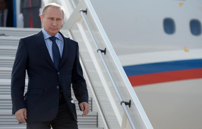 Владимир Путин прибыл в Милан, где встретится с Порошенко, Меркель и Олландом