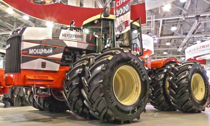 Ростсельмаш запустил впроизводство новую линейку «тяжёлых» тракторов RSM серии 3000
