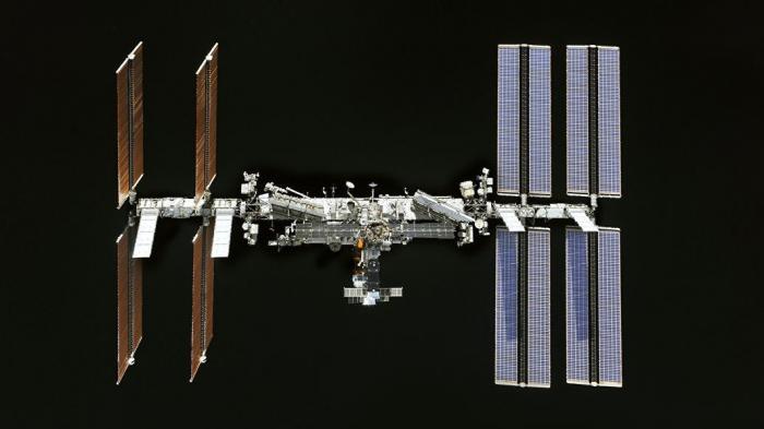 Dragon-2 Илона Маска испортил воздух на МКС