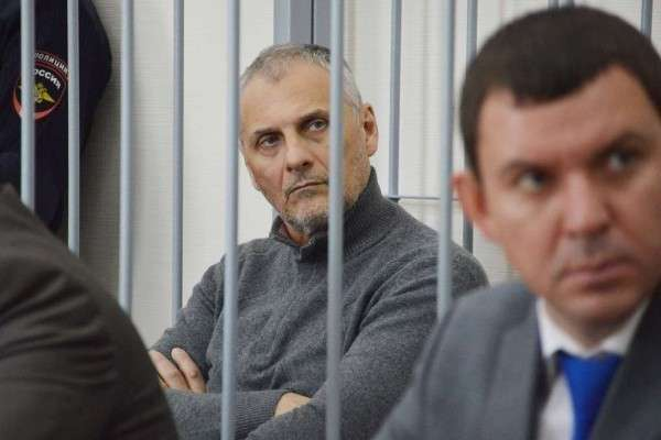 Какую роскошь находят при обысках у проворовавшихся российских чиновников?