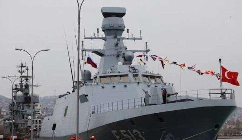 В порт Новороссийска зашли корабли ВМС Турции