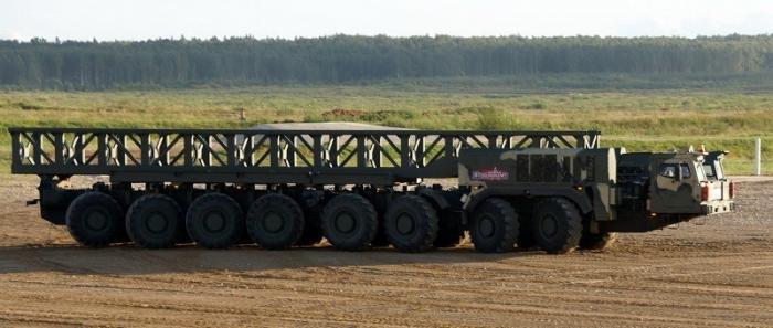 Импортозамещение: «Ярс» и «Тополь-М» получили российский колесный тягач