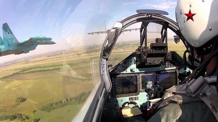 Российский Су-27 отпугнул американский самолет-разведчик