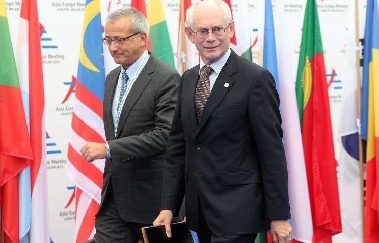 Ван Ромпей (справа на фото)