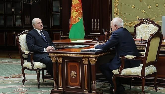 Лукашенко: Усиленно будем сокращать объемы строительства в Минске