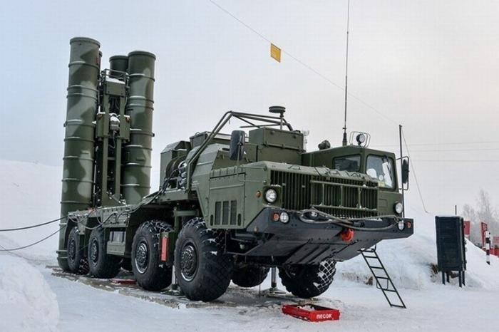 ВЛенинградской области вместо С-300 заступили на боевое дежурство новые ЗРС С-400